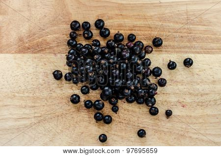 Small Collection Blackcurrants Grouped Wooden Board Background Horizontal