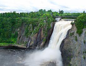 image of chute  - Waterfalls in Canada - JPG