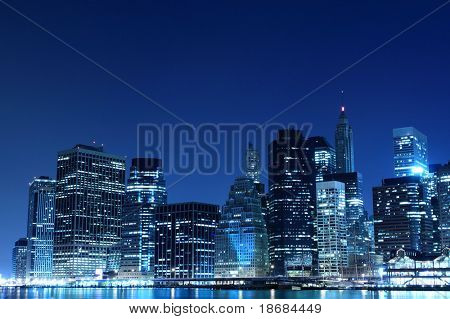 Manhattan Skyline bei Nacht, New York City