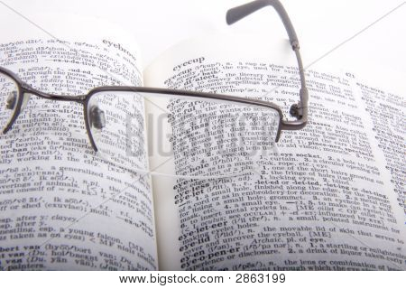 Eyeglass Definition