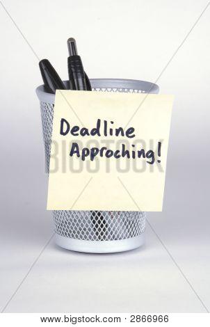 Deadline! Note