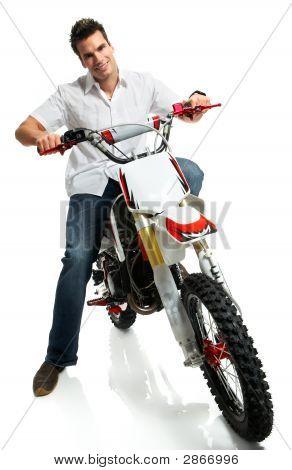 Yound motociclista