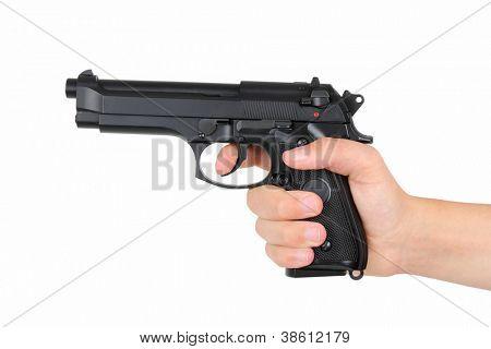 Mão com arma, isolada no fundo branco