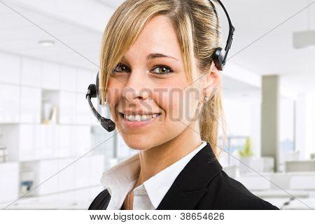 Porträt einer schönen Kundenbetreuer