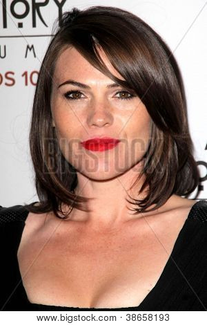 LOS ANGELES - OCT 13:  Clea DuVall arrives at the