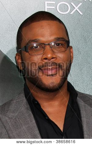 LOS ANGELES - OCT 15:  Tyler Perry arrives at the