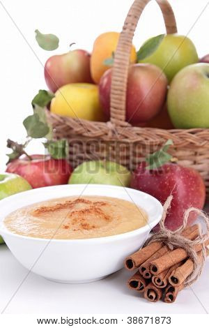 bowl of applesauce