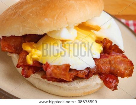 Egg and bacon breakfast roll