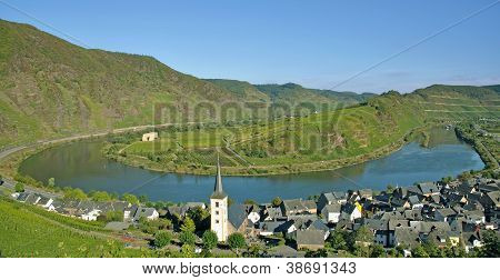 Mosel River Bow,Bremm,Germany