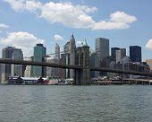 Постер, плакат: Нижний Манхэттен и Бруклинский мост