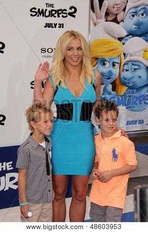 LOS ANGELES - JUL 28:  Britney Spears, Sean Preston Federline, Jayden James Federline arrives at the