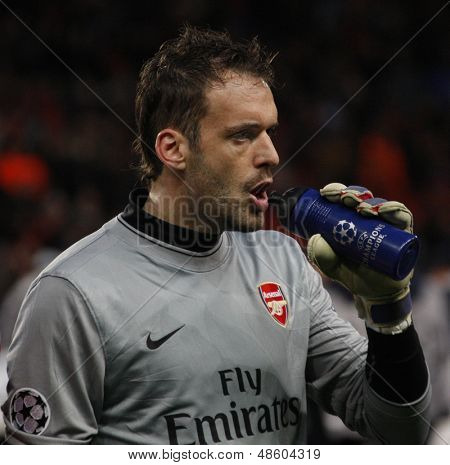 LONDON, ENGLAND. 31/03/2010. Arsenal Goalkeeper Manuel Almunia  during the  UEFA Champions League quarter-final between Arsenal and Barcelona at the Emirates Stadium