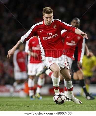 LONDON, ENGLAND. 31/03/2010. Arsenal player Nicklas Bendtner in action during the  UEFA Champions League quarter-final between Arsenal and Barcelona at the Emirates Stadium