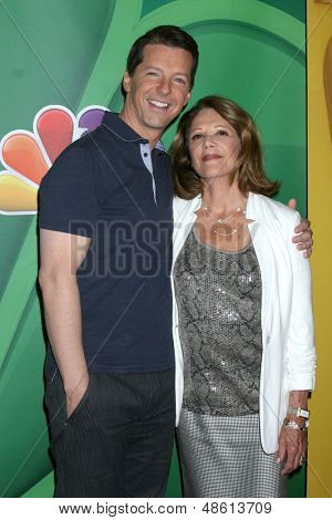 LOS ANGELES - JUL 27:  Sean Hayes, Linda Lavin at the NBC TCA Summer Press Tour 2013 at the Beverly Hilton Hotel on July 27, 2013 in Beverly Hills, CA