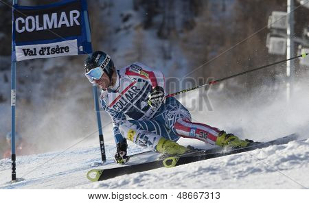 VAL D'ISERE FRANCE. 11-12-2010. JITLOFF Tim (USA) attacks a control gate during  the FIS alpine skiing world cup giant slalom race on the Bellevarde race piste Val D'Isere.