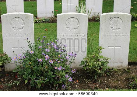 Graves of three unknown WW1 Canadian soldiers