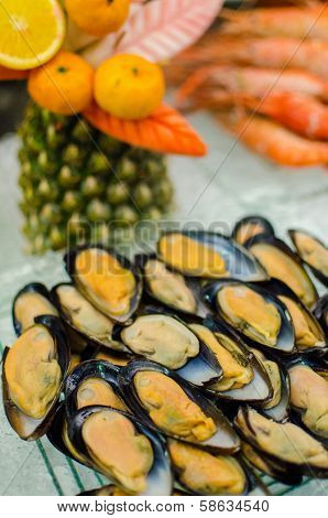 Fresh Mussels On Ice Tray For Catering Buffet