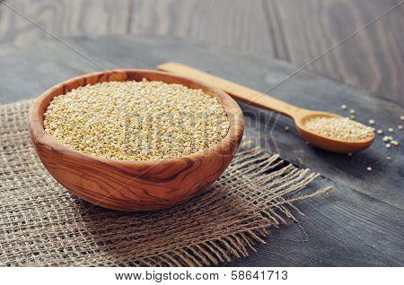 Raw Quinoa Seeds