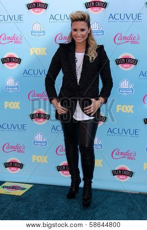 Demi Lovato at the 2013 Teen Choice Awards Arrivals, Gibson Amphitheatre, Universal City, CA 08-11-13