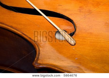 Bass Baton