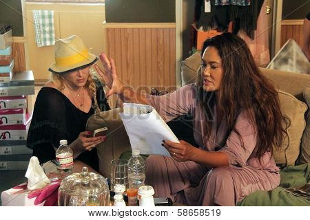 Jennifer Blanc-Biehn, Tia Carrere on the set of