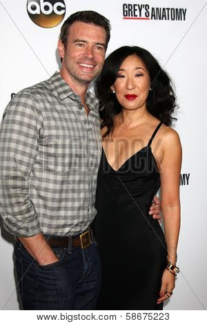 Scott Foley and Sandra Oh at the