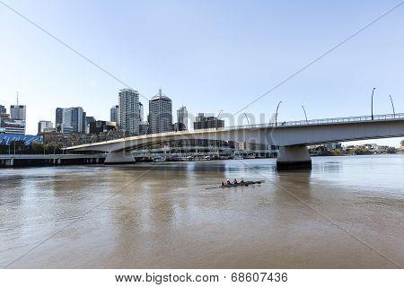 Brisbane cityscape and Victoria bridge over the Brisbane river.