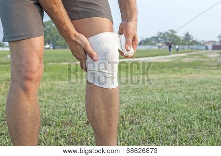 Wrapping Knee Injury