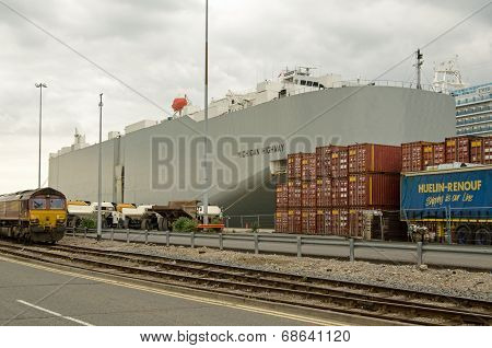 Michican Highway cargo ship, Southampton Docks