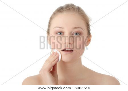 Woman Remove Her Make-up