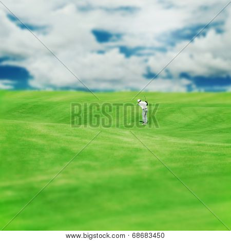 Golf club. Man playing golf