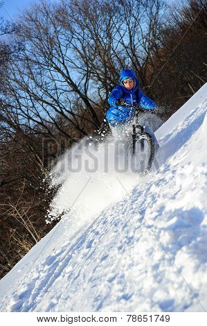 Cyclist extreme winter