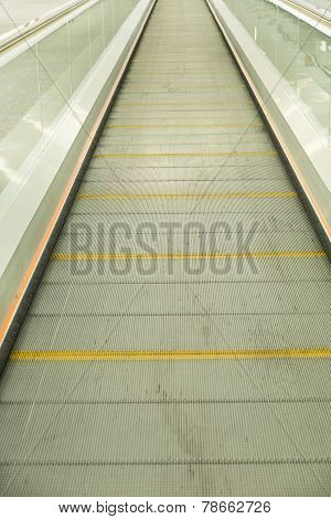 Flat Escalator
