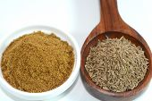 foto of cumin  - Closeup view of cumin and cumin powder - JPG