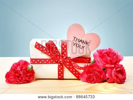 Thank You Message With Gift Box And Carnations