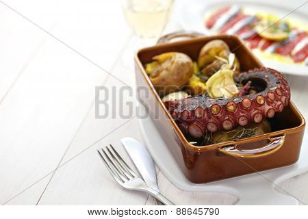 grilled octopus with potatoes, polvo lagareiro, Portuguese cuisine