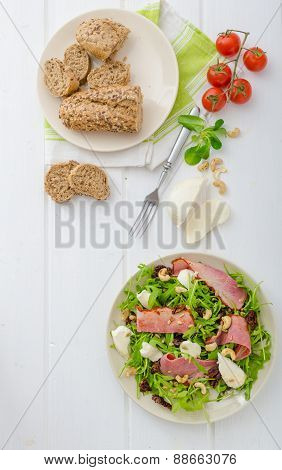 Arugula Salad With Meat And Mozzarella