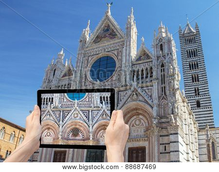 Travel To Siena Concept