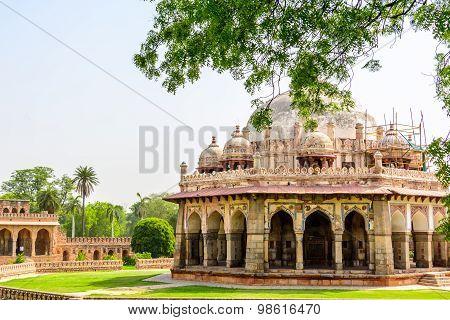 Isa Khan Tomb, New Delhi. India.