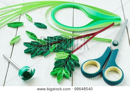 Making Rowan Leaves In The Technique Of Quilling