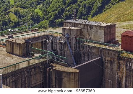 Dam Sluice Gate