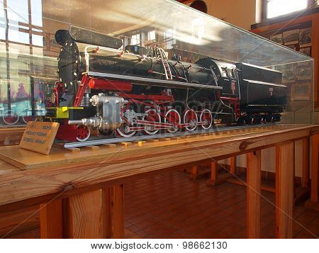 Mini steam engine.