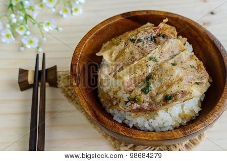Salt And Black Pepper Grilled Pork With Japanese Rice In Wooden Bow