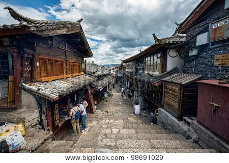 Lijiang, China - June 21, 2015: Dayan Old Town Street In Lijiang, China On June 21, 2015. Lijiang Is