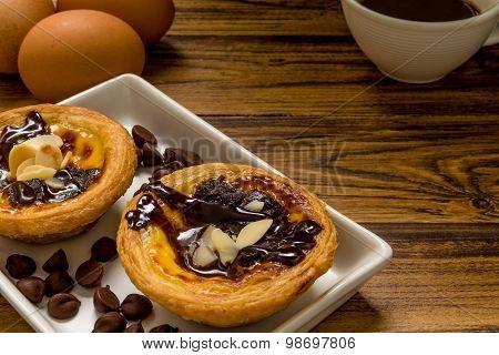 Chocolate Egg Tart Background / Chocolate Egg Tart / Portuguese Chocolate Egg Tart Background