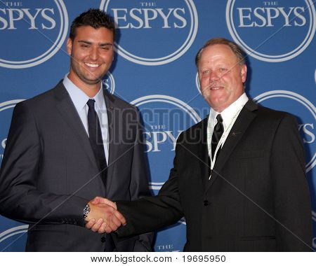 LOS ANGELES - JUL 14:  Detroit Tigers Pitcher Armando Gallaraga & MLB Umpire  Jim Joyce in the Press Room of the 2010 ESPY Awards at Nokia Theater - LA Live on July14, 2010 in Los Angeles, CA ....