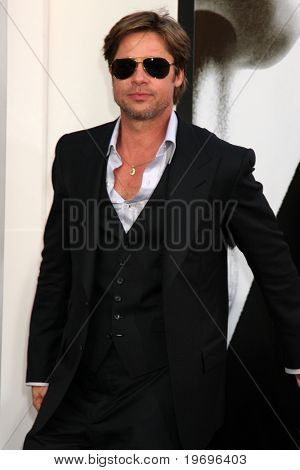 LOS ANGELES - JUL 19:  Brad Pitt  arrives at the