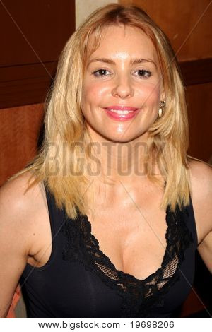 LOS ANGELES - JUL 24:  Olivia d'Abo at the Hollywood Show  at Mariott Hotel on July24, 2010 in Burbank, CA ....