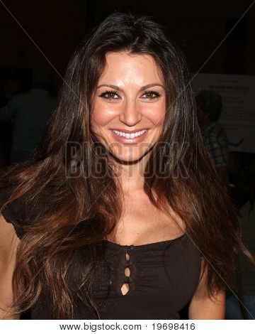 LOS ANGELES - JUL 24:  Cerina Vincent at the Hollywood Show  at Mariott Hotel on July24, 2010 in Burbank, CA ....