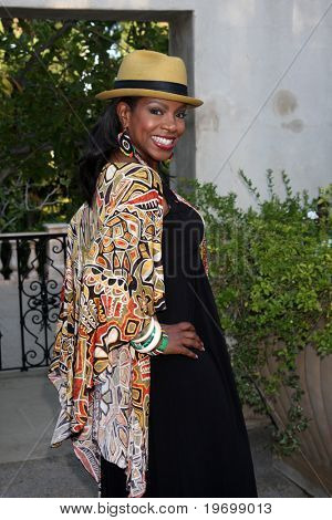 LOS ANGELES - JUL 24:  Sheryl Lee Ralph arrives at  the 12th Annual HollyRod Foundation DesignCare Event at Ron Burkle's Green Acres Estate on July24, 2010 in Beverly Hills, CA ....